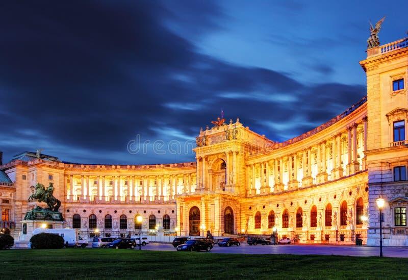 Palácio imperial de Viena Hofburg na noite, - Áustria foto de stock royalty free