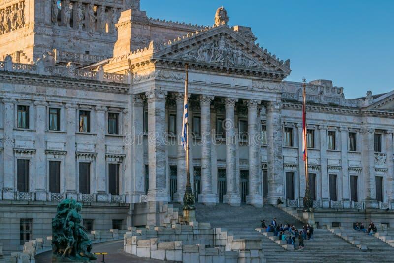 Palácio legislativo de Uruguai em Montevideo fotos de stock