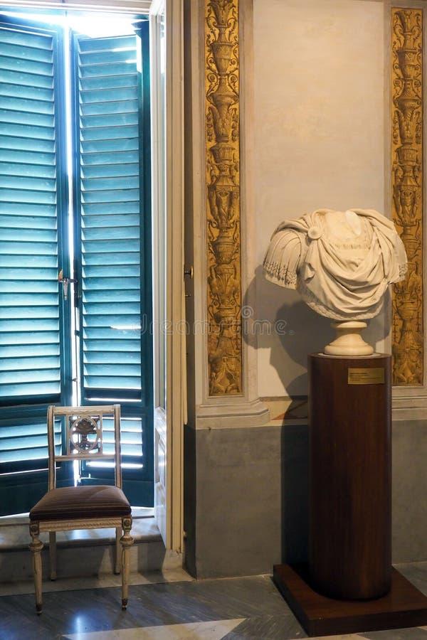 Palácio neoclássico da casa de campo Torlonia em Roma, Itália imagem de stock