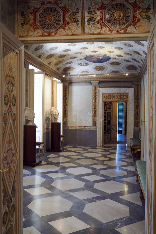 Palácio neoclássico da casa de campo Torlonia em Roma, Itália imagens de stock