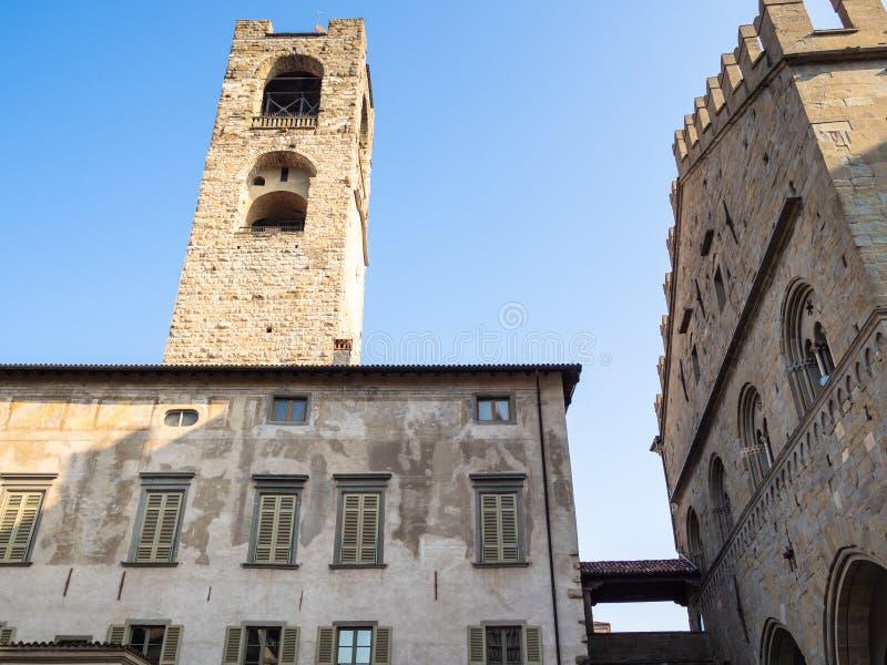 palácio Palazzo del Podesta de Piazza Duomo fotografia de stock royalty free