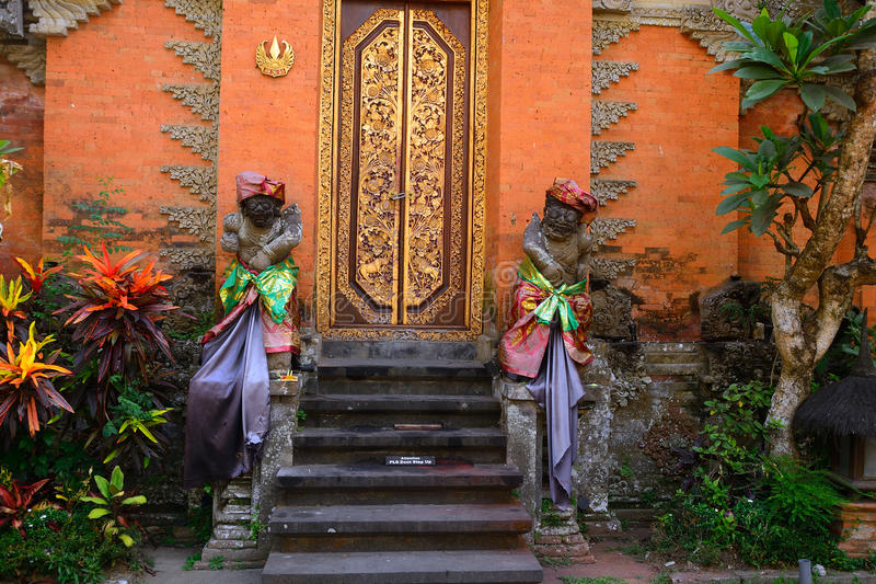 Palácio real, Ubud, Bali, Indonésia imagens de stock
