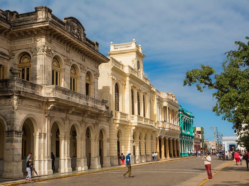 Palácios no centro de Santa Clara num domingo de manhã com th foto de stock royalty free