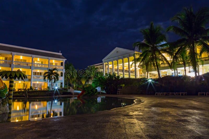 Paládio grande da cena da noite, Montego Bay Jamaica imagens de stock