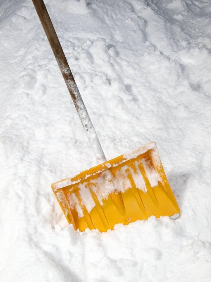 Pala de la nieve foto de archivo libre de regalías