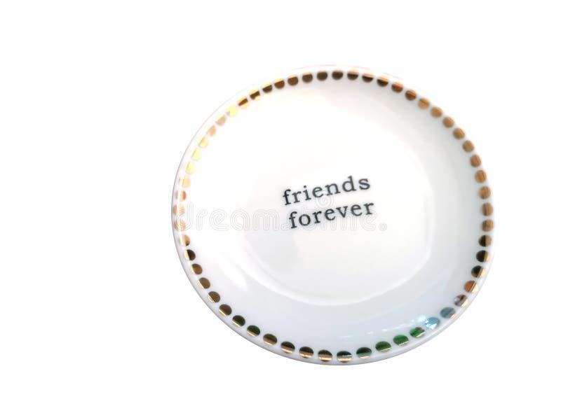 Palabra blanca de la placa y de los amigos para siempre en el fondo blanco del aislante con la trayectoria de recortes fotografía de archivo