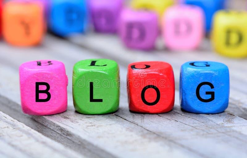 Palabra del blog en la tabla de madera imagen de archivo libre de regalías