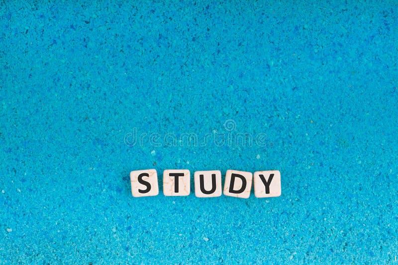 Palabra del estudio en piedra foto de archivo libre de regalías