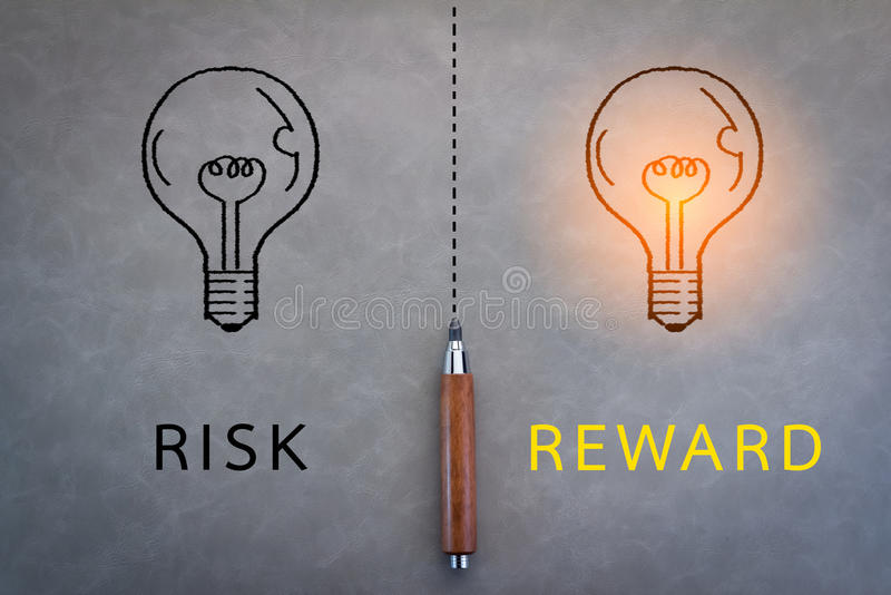 Palabra del riesgo y de la recompensa imagen de archivo