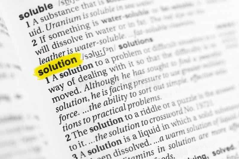 Palabra inglesa destacada y x22; solution& x22; y su definición en el diccionario imagen de archivo