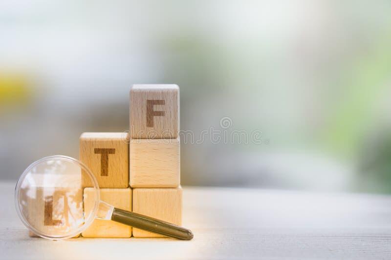 Palabra LTF y RMF del bloque de madera fotografía de archivo libre de regalías