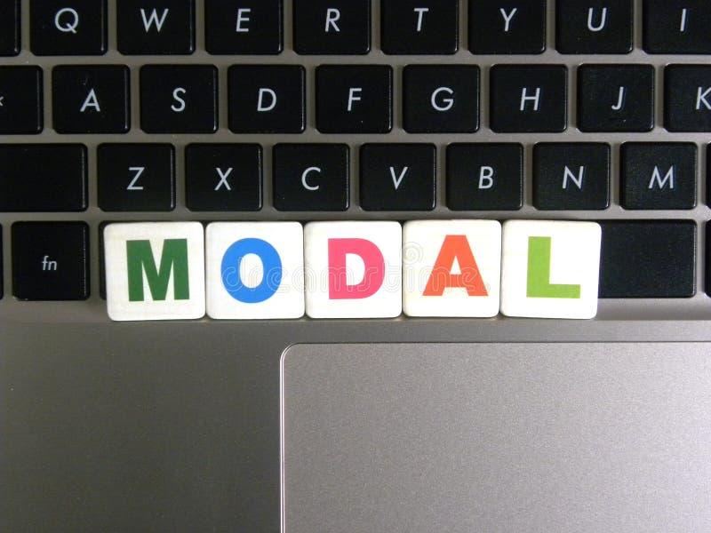 Palabra modal en fondo del teclado fotos de archivo libres de regalías
