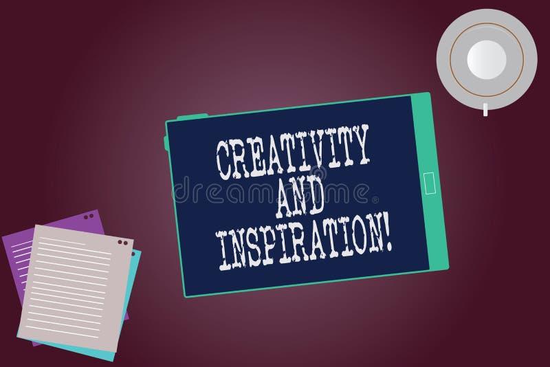 Palabra que escribe creatividad y la inspiración del texto El concepto del negocio para la estrategia usada para tomar decisiones foto de archivo