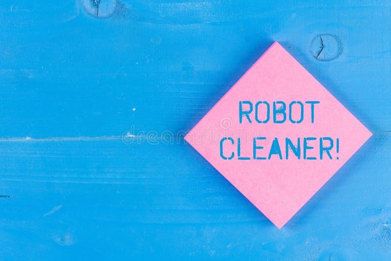 Palabra que escribe el limpiador del robot del texto Concepto del negocio para la programación inteligente y un sistema de limpie imagen de archivo