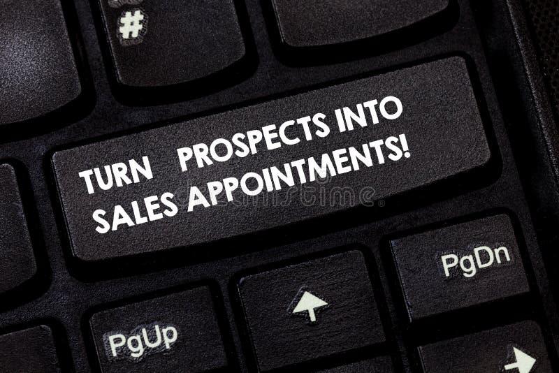 Palabra que escribe perspectivas de la vuelta del texto en citas de las ventas Concepto del negocio para las ventajas que convier fotografía de archivo