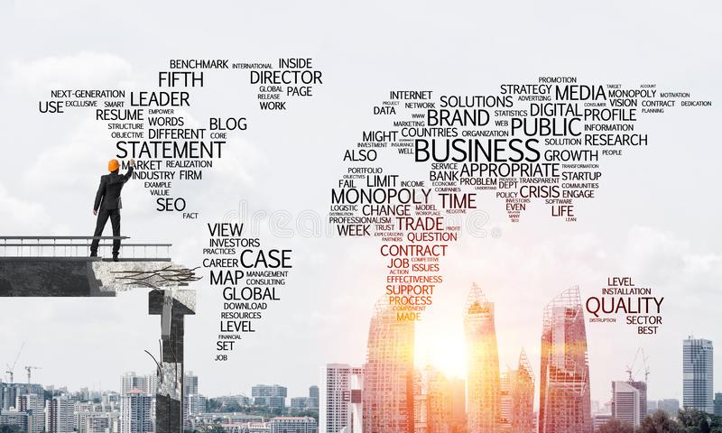 Palabras conceptuales del negocio de la escritura del hombre de negocios foto de archivo