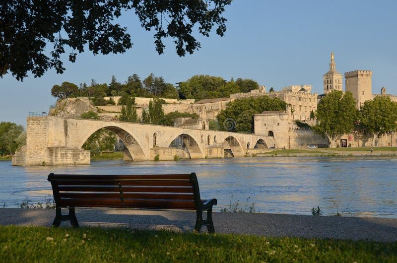 Palace del banco, del puente y de papa en Aviñón imagen de archivo libre de regalías