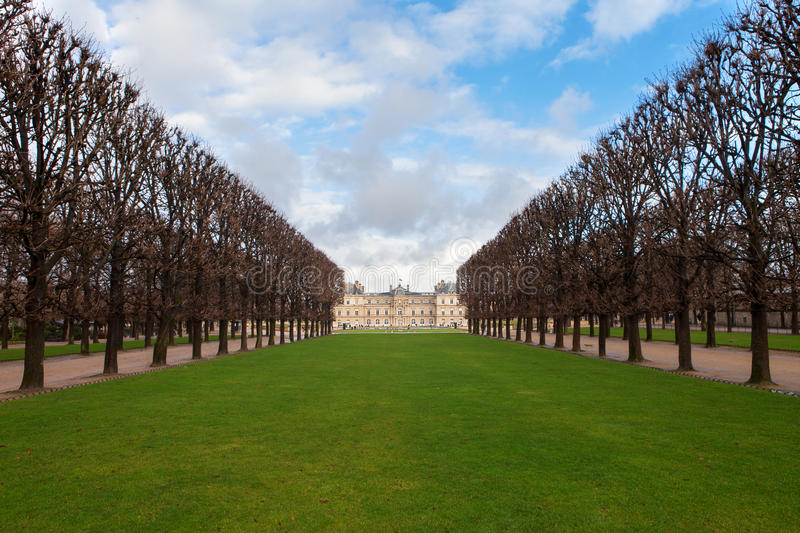 Download Palace In Luxembourg Park In Paris Stock Image - Image: 28643871