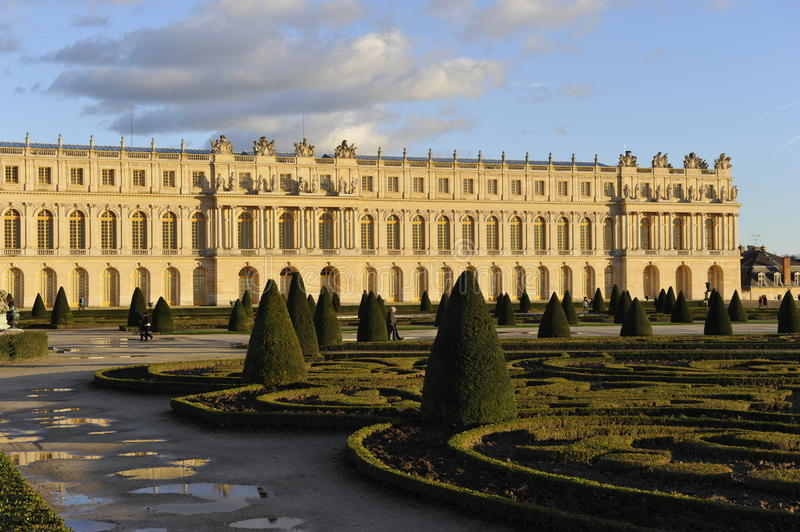 Download Palace of Versailles editorial image. Image of place - 36669840