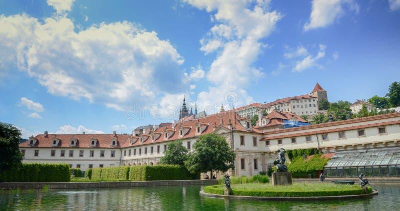 Palacio ayer barroco Praga de Wallenstein; Hoy, el senado de la República Checa está aquí y actúa del palacio principal Praga fotografía de archivo libre de regalías