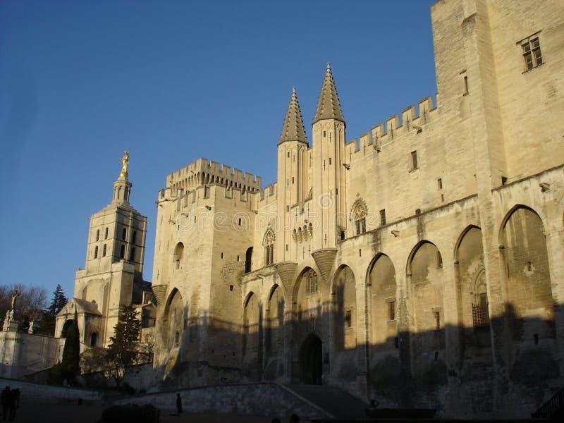 Palacio de Avignon en la puesta del sol fotografía de archivo