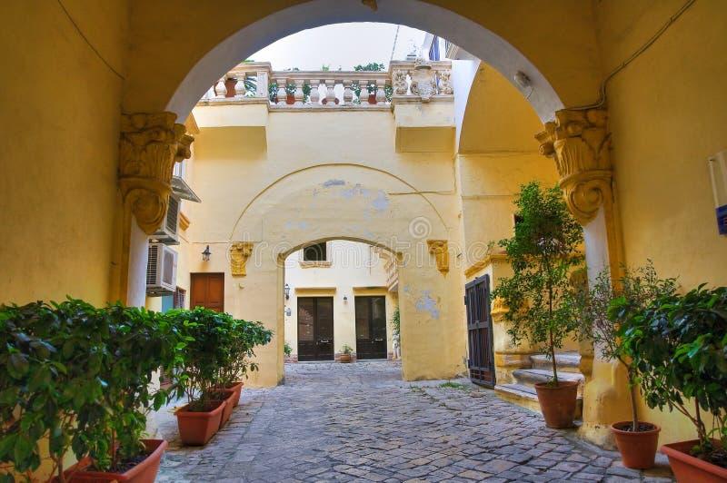 Palacio de Balsamo. Gallipoli. Puglia. Italia. imagenes de archivo