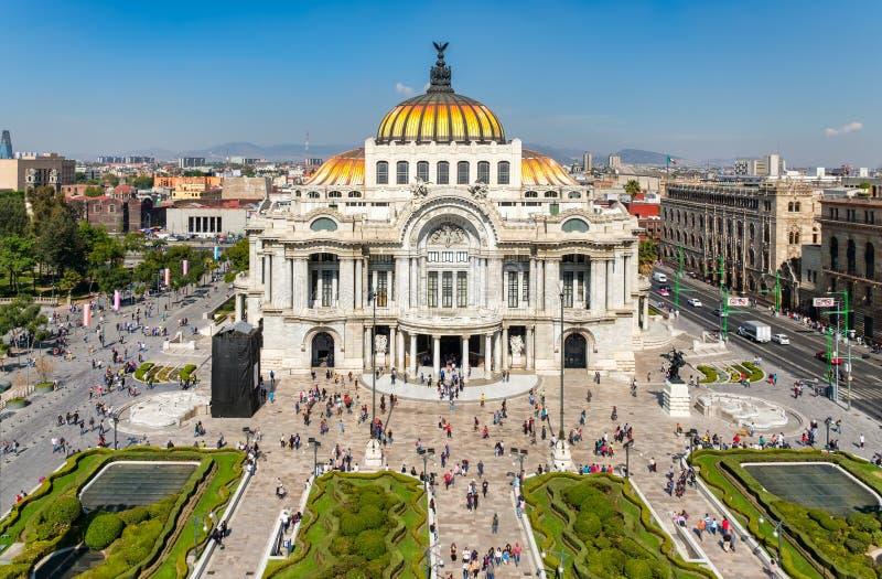 Palacio de Bellas Artes o palacio de bellas arte en Ciudad de México fotos de archivo libres de regalías