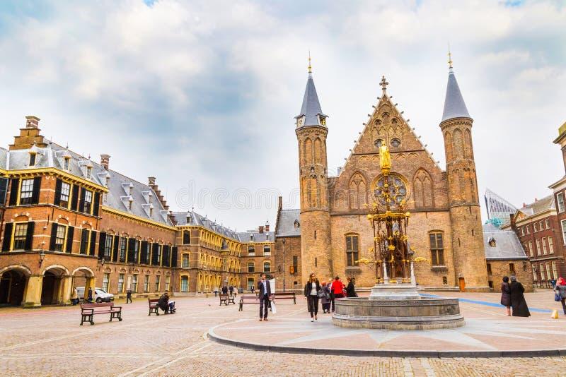 Palacio de Binnenhof, lugar del parlamento holandés en La Haya, Holanda imagenes de archivo