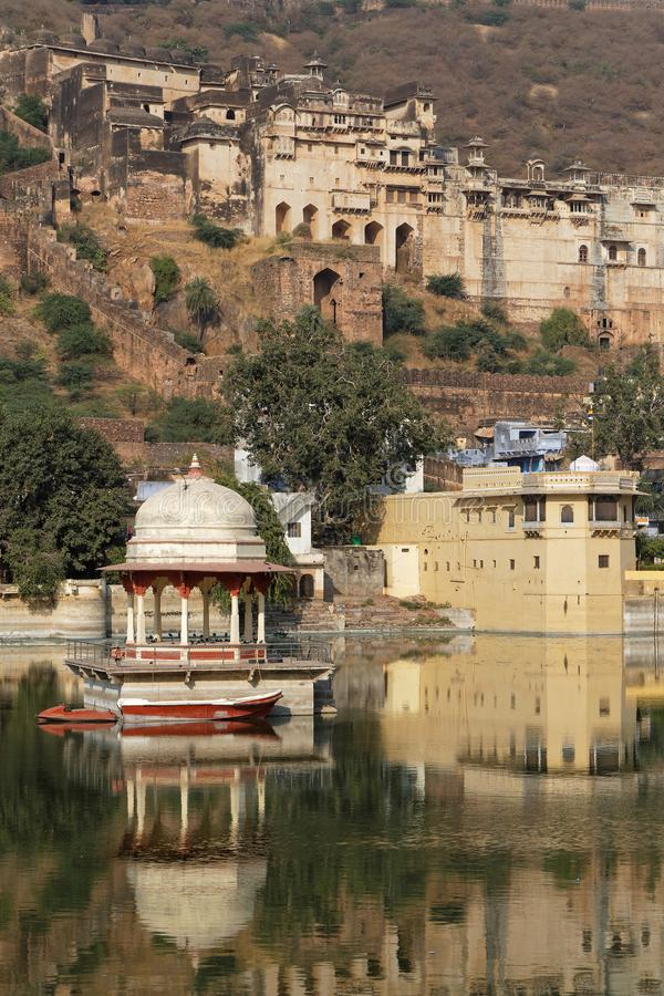 Palacio de Bundi sobre el lago fotos de archivo libres de regalías