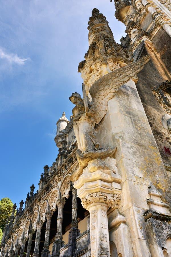 Palacio de Bussaco, Portugal Escultura de una mujer imagen de archivo