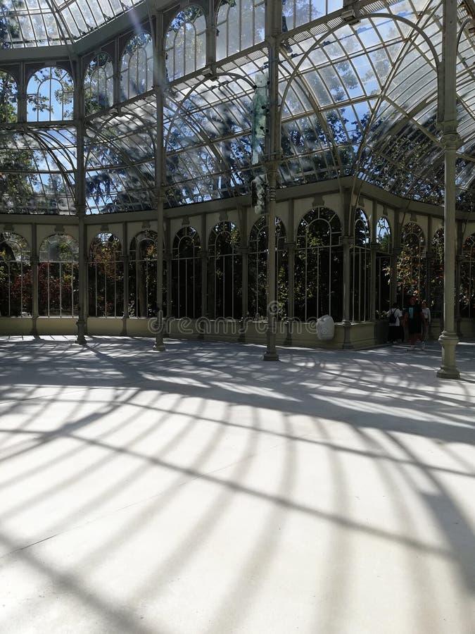 Palacio de Cristal в парке Retiro в Мадриде стоковое изображение rf
