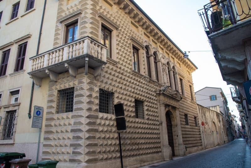 Palacio de diamantes en Verona, Italia imagen de archivo