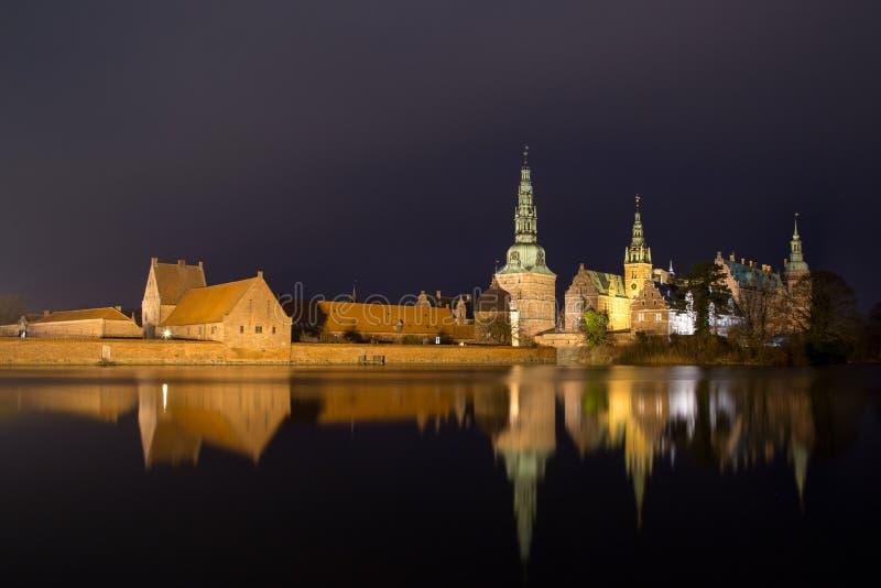 Palacio de Frederiksborg en Hilleroed, Dinamarca imagen de archivo libre de regalías