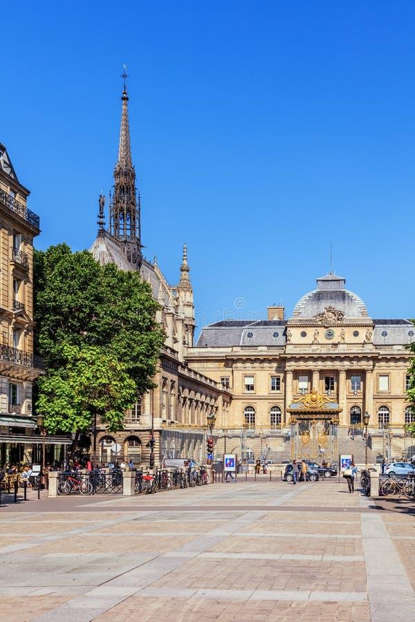 Palacio de Justice Palais de Justice y la capilla santa Sainte Chapelle Par?s, Francia foto de archivo libre de regalías