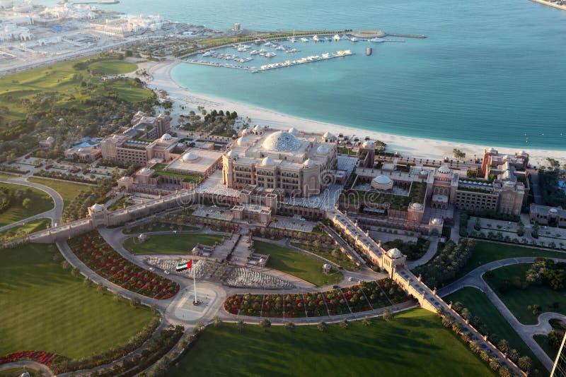 Palacio de los emiratos en Abu Dhabi imagenes de archivo