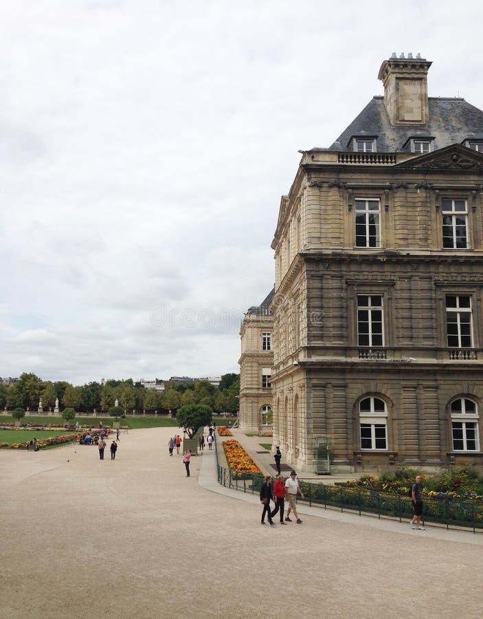 Palacio de Luxemburgo en Jardin du Luxemburgo en París foto de archivo libre de regalías