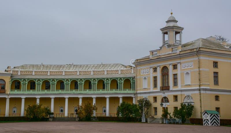 Palacio de Pavlovsk en St Petersburg, Rusia fotos de archivo libres de regalías