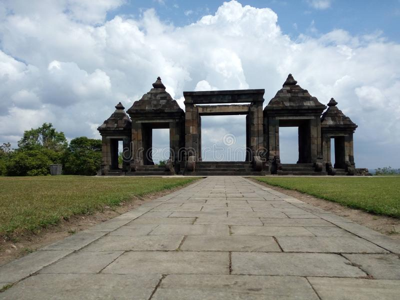 Palacio de Ratu Boko: La puerta fotografía de archivo