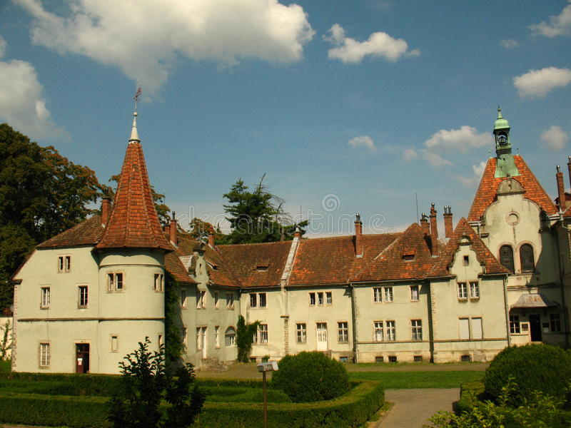 Palacio de Schonborn en Chynadiyovo, Cárpatos Ucrania imagen de archivo