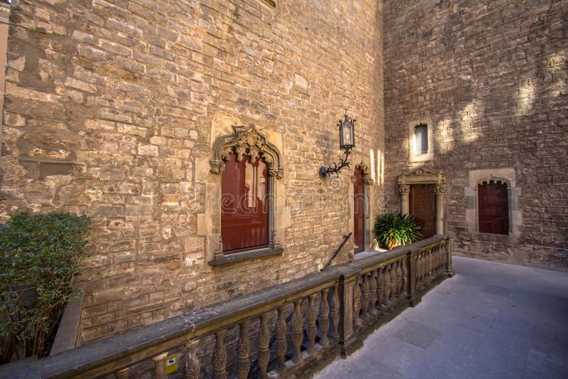 Palacio del obispo - Palau de episcopal Barcelona fotografía de archivo