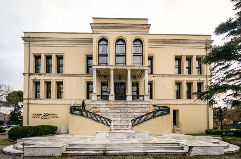 Palacio del sultán de Adile en Kandilli, Estambul Adile Sultan Palace es la residencia real anterior de foto de archivo libre de regalías