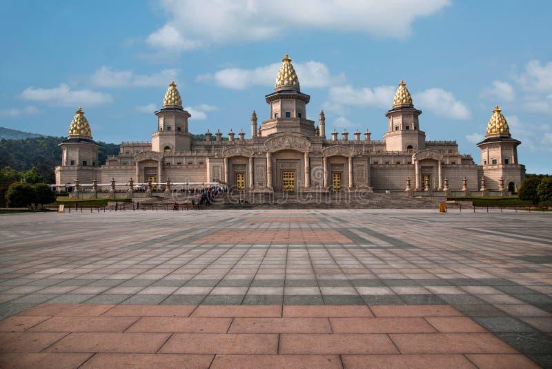 Palacio del Vaticano de Lingshan en la montaña de Lingshan foto de archivo