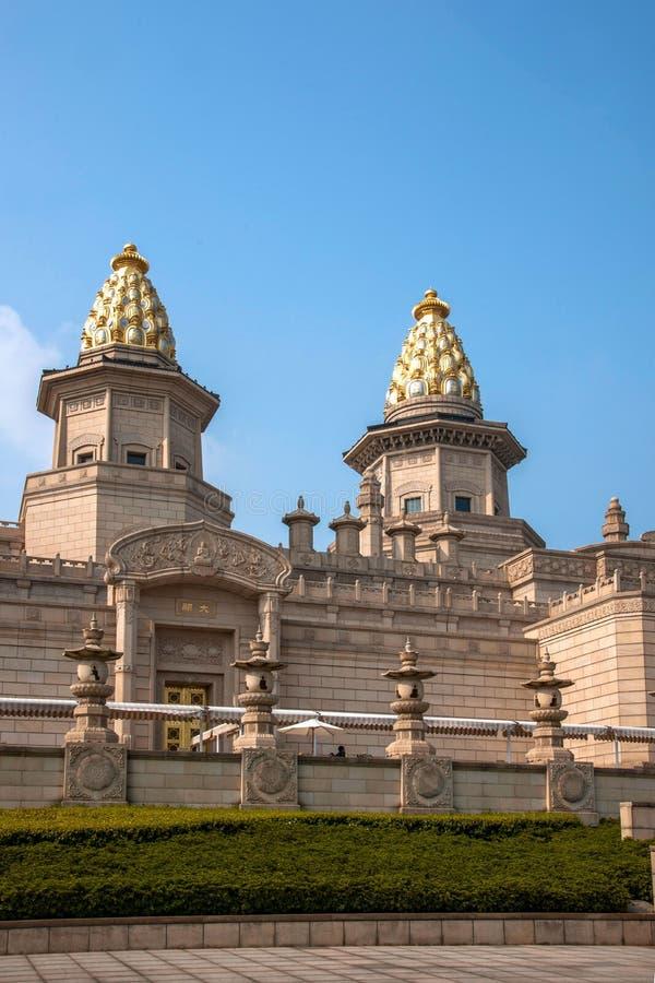 Palacio del Vaticano de Lingshan en la montaña de Lingshan imagenes de archivo