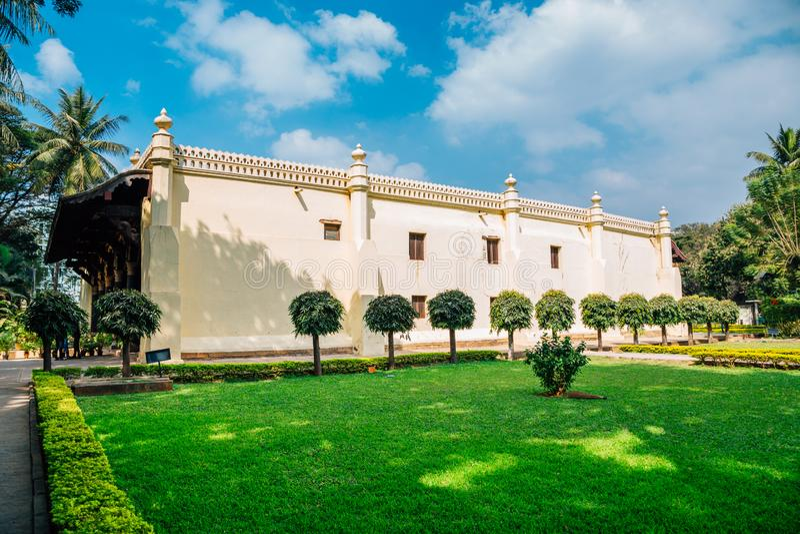 Palacio del verano del sultán de Tipu en Bangalore, la India fotografía de archivo libre de regalías