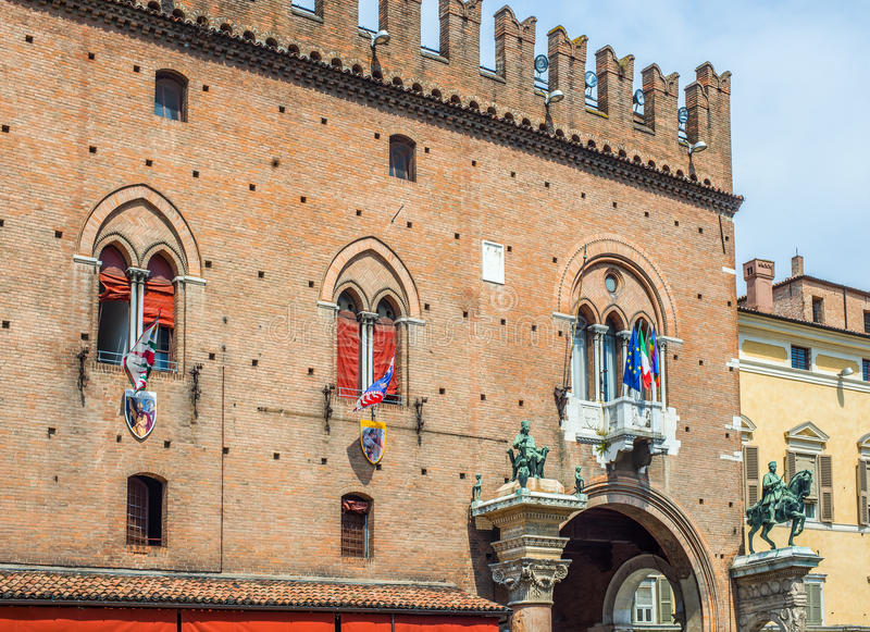 Palacio ducal de Estense en Ferrara Emilia-Romagna Italia imagenes de archivo