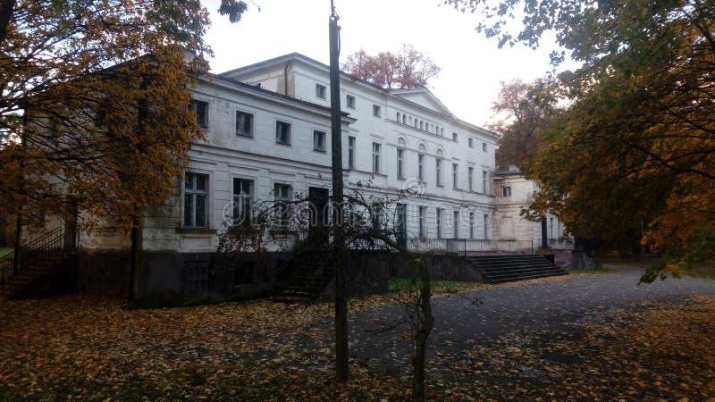 Palacio en Rakoniewice fotos de archivo