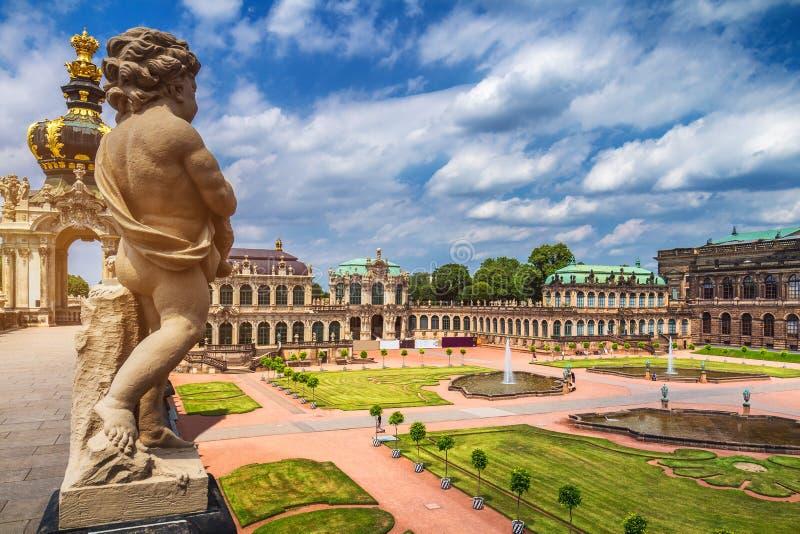 Palacio famoso Der Dresdner Zwinger Art Gallery de Zwinger de Dres imágenes de archivo libres de regalías