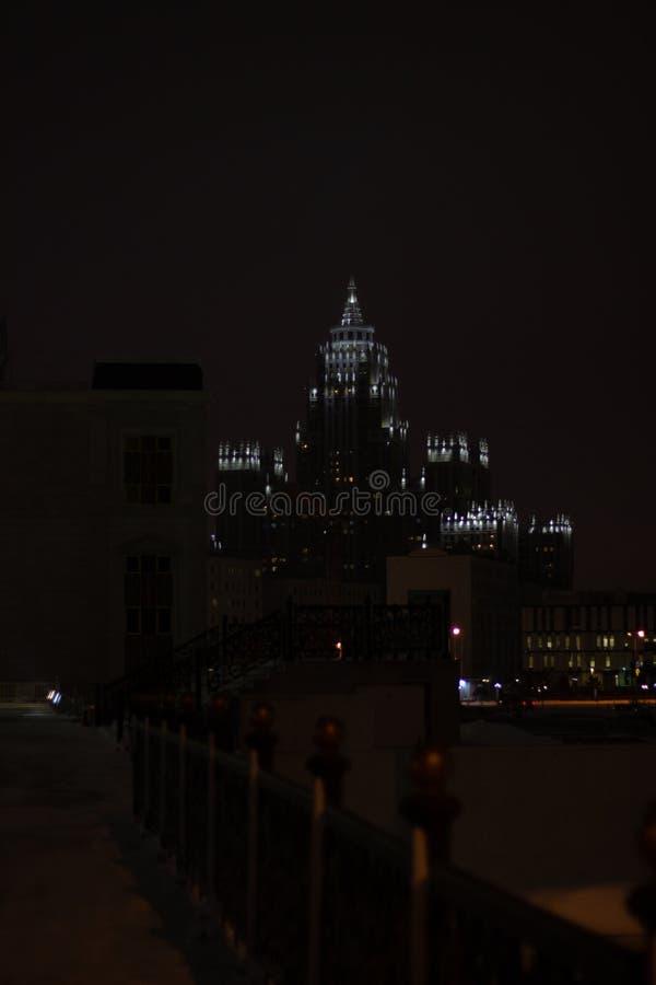 Palacio hermoso de la noche de Astaná imagenes de archivo