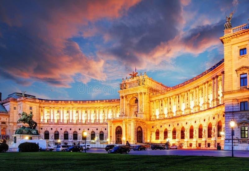 Palacio imperial de Viena Hofburg en la noche, - Austria fotos de archivo libres de regalías