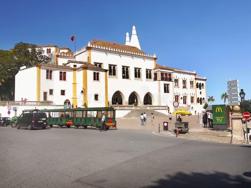 Palacio nacional de la ciudad de Sintra, Portugal fotografía de archivo